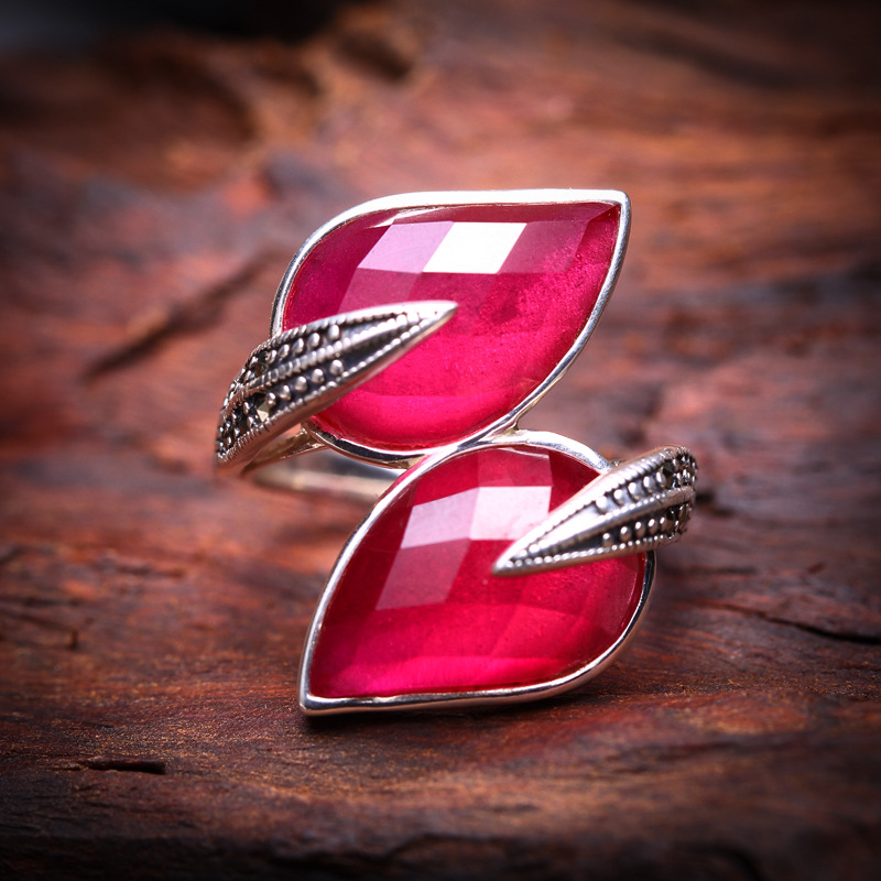 The character of silver silver wholesale 925 Sterling Silver Ring lady drops red corundum the realm of clans anime ling yu qinlie 925 sterling silver ring comics cartoon