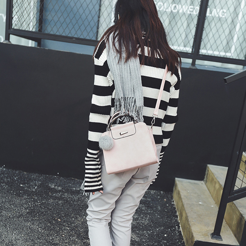 A new round of explosive sales in 2019, good quality and low price, crazy purchases, handbags red ordinary 31