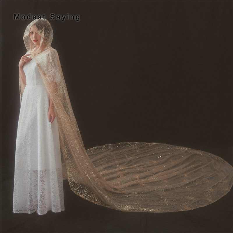 Vraie Photo brillant charmant Champagne Capes de mariage à capuche 2018 Bling Bling Tulle Royal mariée enveloppes dans conte de fées châles de mariée