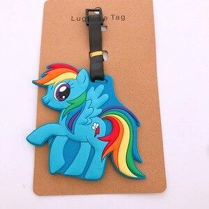 Image 2 - Mignon cheval étiquette à bagages accessoires de voyage Portable mode dessin animé TSUM ID adresse étiquettes de bagages valise étiquettes dembarquement