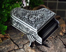 Novel rare piano-shaped Gothic Grace rhythm classical retro European princess metal jewelry keepsake souvenir box case Z025