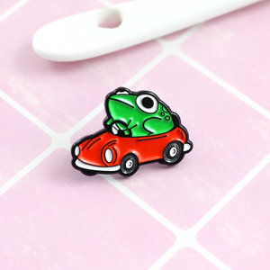 Meaning Frog Drives Enamel Brooch Green Frog Drives Red Car Pin Fashion Creative Children Backpack Badge Jewelry(China)