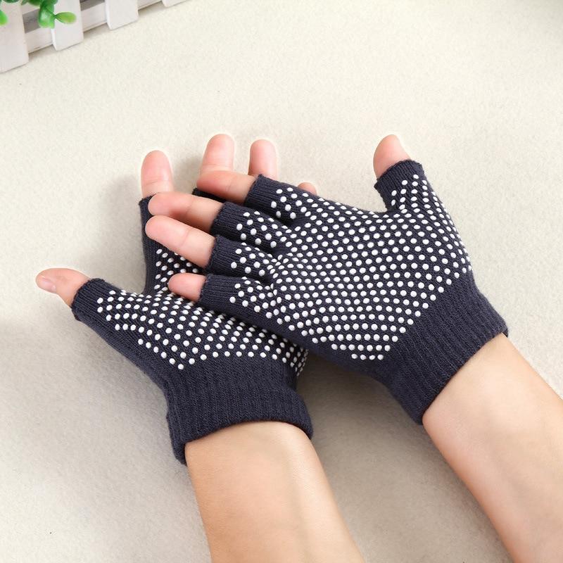 1 Pair Of New Fitness Fingerless Gloves Mittens Gym Glove Half Fingers Gloves For Women Men Sports High Quality