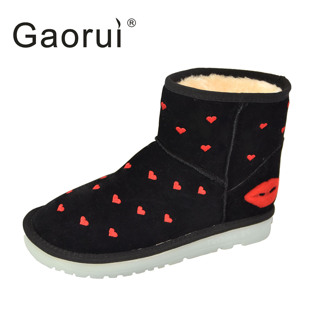 Gaorui New Fashion Winter Female Snow Boots USB Charging LED Fluorescent Warm Shoes Love Heart Cute Warm Plates gaorui