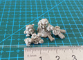 1/35 Resin Soldier Scene Accessories Stuffed teddy bear Pigs and little Girl