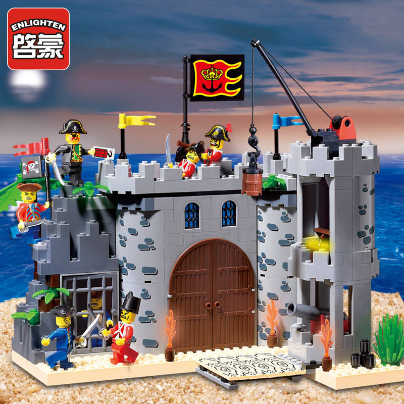 Enlighten 366Pcs LegoINGs Castle Pirates Robbery Barracks Soldiers Ship Assembly Building Blocks Sets Brinquedos Toys for Boys