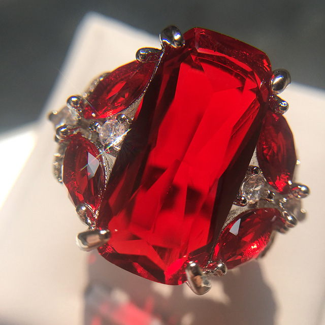 Luxury 6 ct Big Red square Cut Shining AAA Zircon Ring with large CZ stones Ring