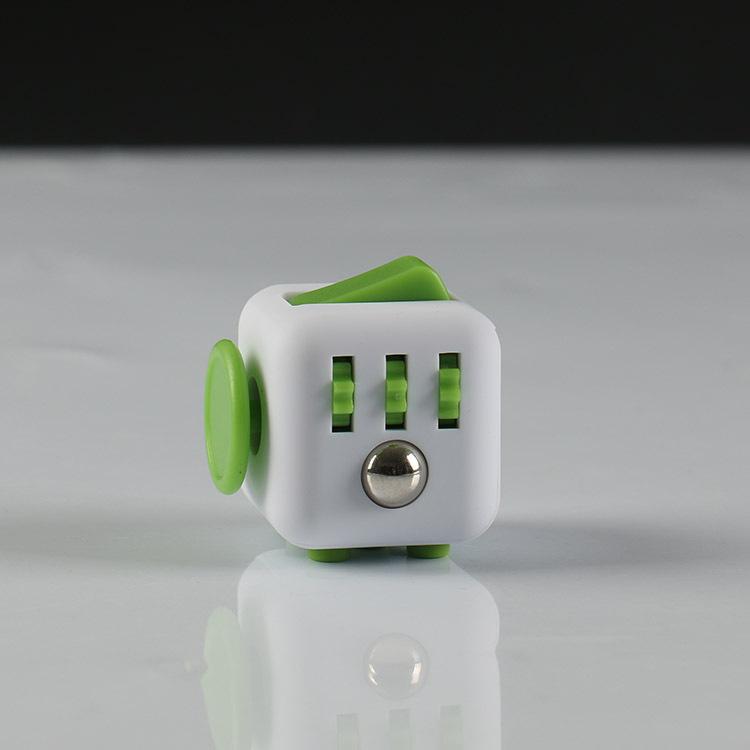 I white green