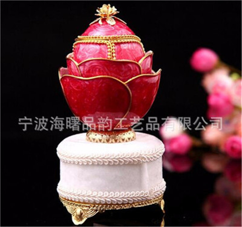 High Quality Luxury Egg Carving Golden Flower Red Rose Music Box Jewellery Box Hand Cranked Musical Boxes for Women Girl Gift