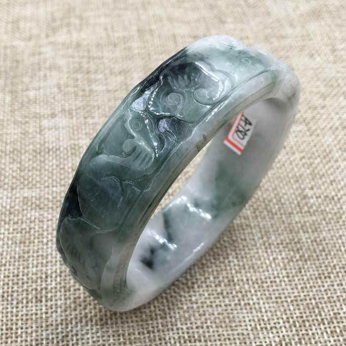 DYY 58มิลลิเมตรวินเทจจีนมือแกะสลักสีขาวสีเขียวหยกJadeiteสร้อยข้อมือกำไลข้อมือ750