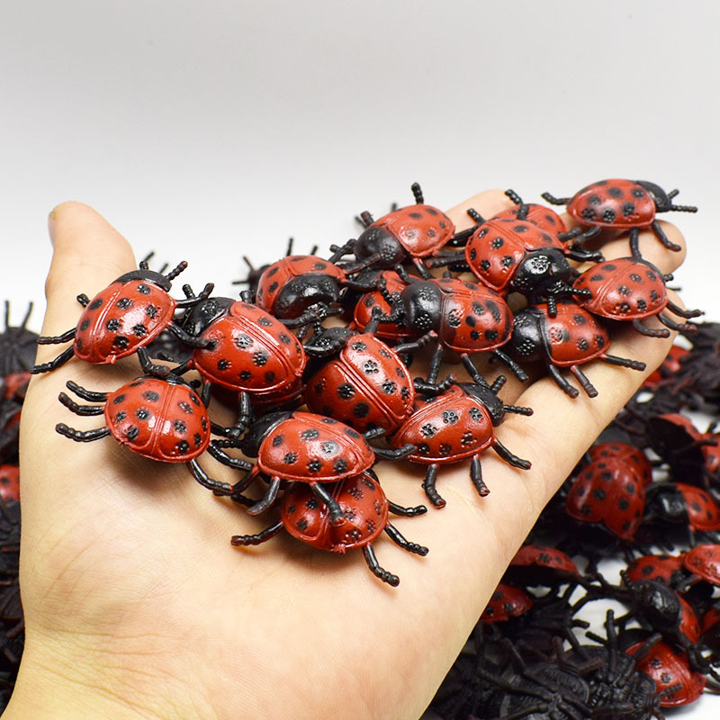 10Pcs/lot PVC Simulation Ladybug Toy Lifelike Insect Biology Learning Tools Kids Little Gift April Fool's Day Frightening Toys