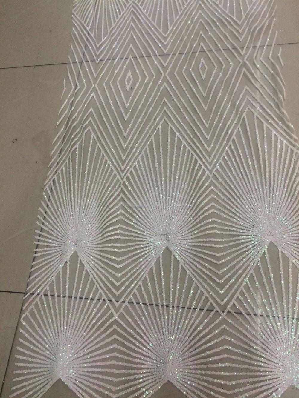 Afrikaanse netto kant voor vrouwen jurk Nieuwe Collectie LJY 62437 afrikaanse Tule kant stof met glitter-in Kant van Huis & Tuin op  Groep 3