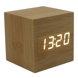 여러 가지 빛깔의 사운드 제어 나무 나무 광장 LED 알람 시계 데스크탑 테이블 디지털 온도계 나무 USB/AAA 날짜 표시