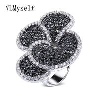 Great Product Big Flower Ring In Black And White Color Setting AAA Jet And Clear Round
