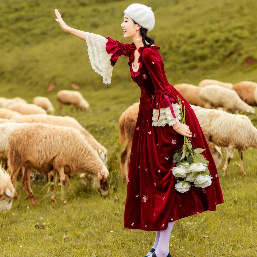 2018 jesień nowy vestido kobiety sukienki w stylu vintage retro koronki długie flare rękawem sukienka w Suknie od Odzież damska na  Grupa 1