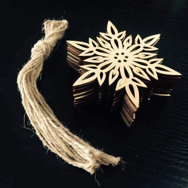 10pcs Wooden Snowflake Pendant Wood Handmade Scrapbooking Carft for Christmas Tree Party Decoration Supplies