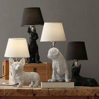 Harz Gravur Welpen Hund Schreibtisch Tisch Lampe Designer der Nordic Dänischen Retro Schlafzimmer Lampe Textil Studie Home Deco Kinder Zimmer lampe
