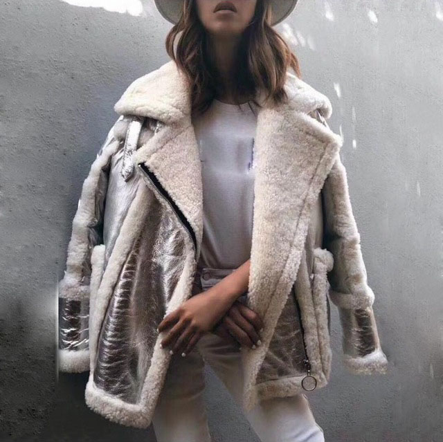 2018 nouvelles femmes véritable en cuir et fourrure duvet de canard manteau argent couleur femelle de luxe zip lâche tournent vers le bas épais outwear veste