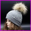 Fêmea inverno Gorros De Malha Com Pérola 100% Real Pele De Guaxinim 15 cm Pompom Chapéus Para Mulheres Chapéu de Crochê