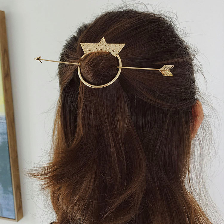 Simple Designed Arrow Metal Hair Sticks Hairpins Fashion Branded Models Hair Stick Accessories Women