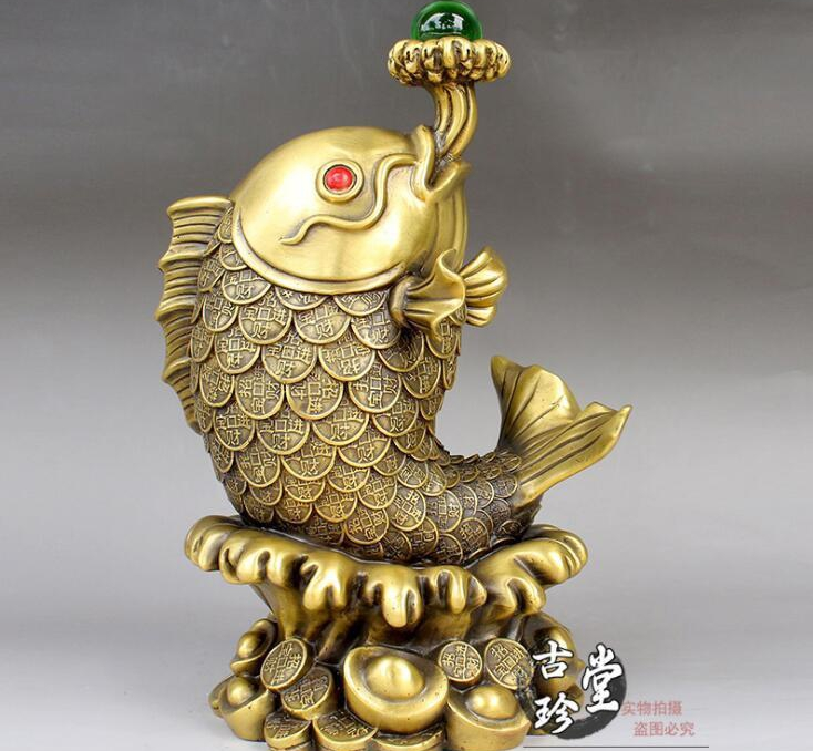 China Lucky Feng shui carp Copper Brass Carved Fish vomit pearl Sculpture