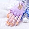 Nail Salon de Arte Equipo de Práctica de Mano Y 50 UNIDS Humano Falso Uñas Consejos Flexibles Dedos de Uñas Personal Trainer
