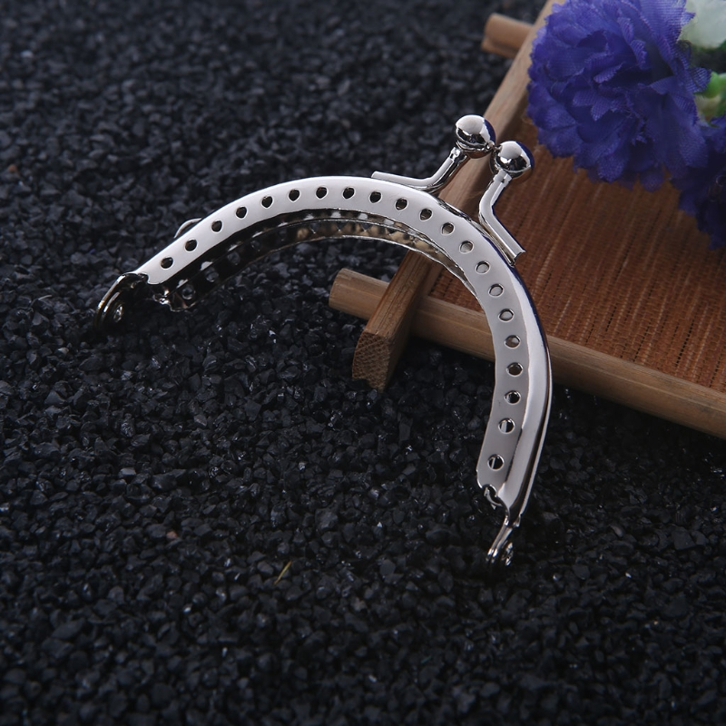 2017 1PC Metal Frame Kiss Clasp Arch For Clutch Coin Purse Bag Silver Tone 6.5cm silver streak arch v 2