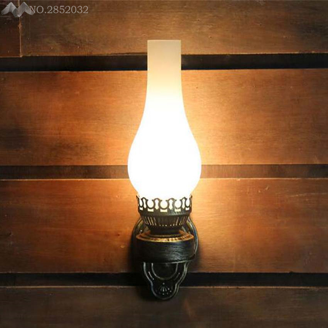 LFH Antique Rustic Iron Wall Lamp Vintage Kerosene Lantern Light Rusty Corridor Hallway Sconce Lighting