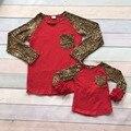 2016 nova boutique meninas do bebê T-shirt bonito outono/inverno mãe e filho família olhar crianças top roupas de Leopardo vermelho bolso ruffles