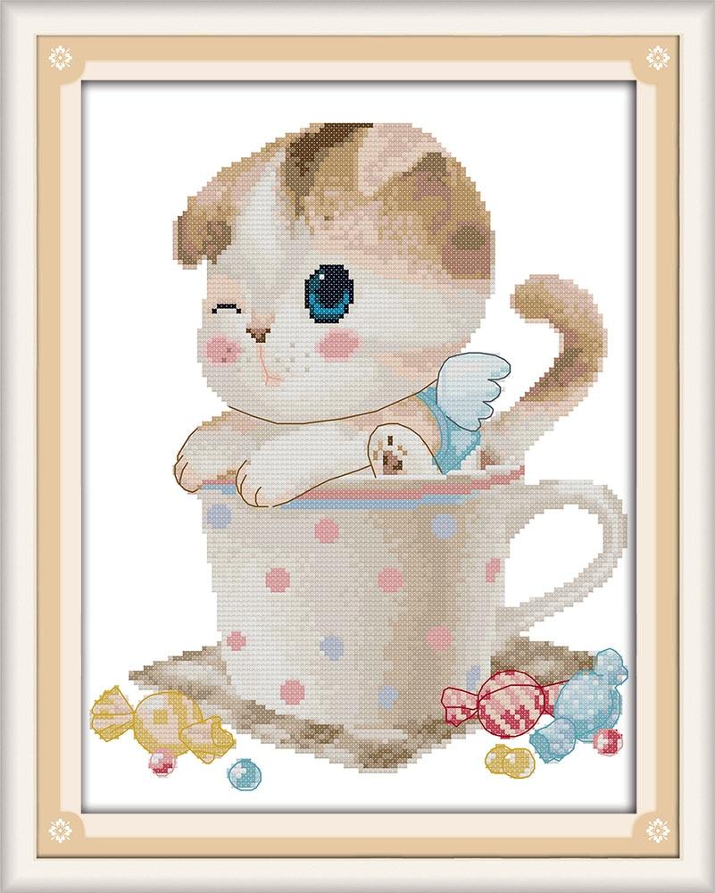 Вышивка котята в чашке
