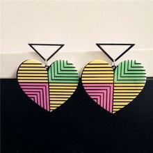 Милая девушка моды большой висячие ювелирные изделия brinco гранде полоса треугольник серьги сердца акриловые