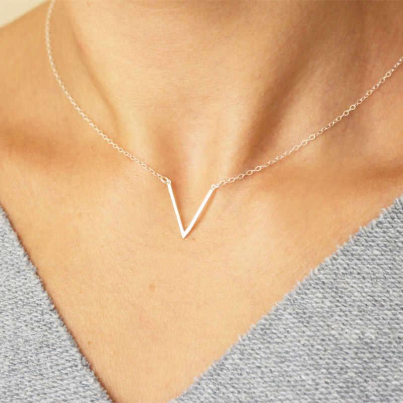 Simple V lettre forme Collier ras du cou vintage Style coréen creux collana Kolye Bijoux Collares Mujer gargantilha Collier Femme