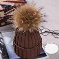 Bola de las mujeres 100% real de piel de mapache invierno punto hat caps pompón de piel de adultos sombreros de invierno gorros de lana ganchillo pom pom sombreros