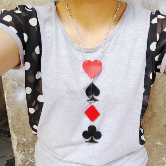 75N Wholesale Poker Heart Square Acrylic Laser Cut Necklace