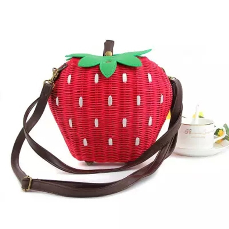 ФОТО 2017 new Free Shipping Sweet Strawberry bag, rattan woven bag, Three-dimensional modeling package fruits