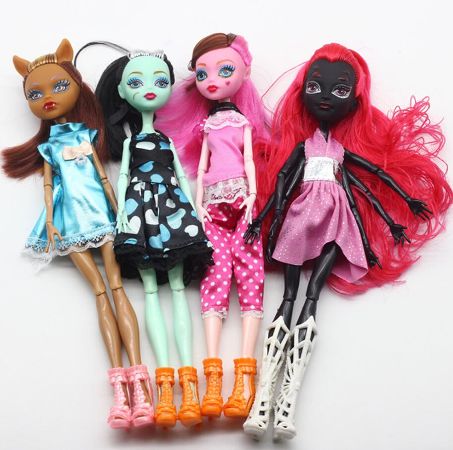 4pcs Fasion Monster Dolls Draculaura/Clawdeen Wolf/ Frankie Stein / Black WYDOWNA Spider Moveable Body Girls Toys free shipping new original body for monster dolls best gift toys to child many styles to choose monster dolls only the body free shipping