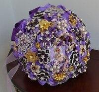 Цветы свадьбы невеста с цветами в руках роскошное фиолетовое отдела брошь из бисера с цветами в руках