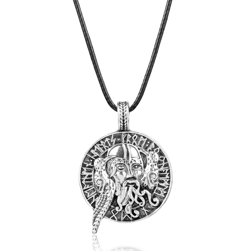 Retro Pendant Necklaces Norse Vikings Warrior Head with Crow Talisman Round Totem Rope Chain Viking Amulet Pendants Necklace Y1