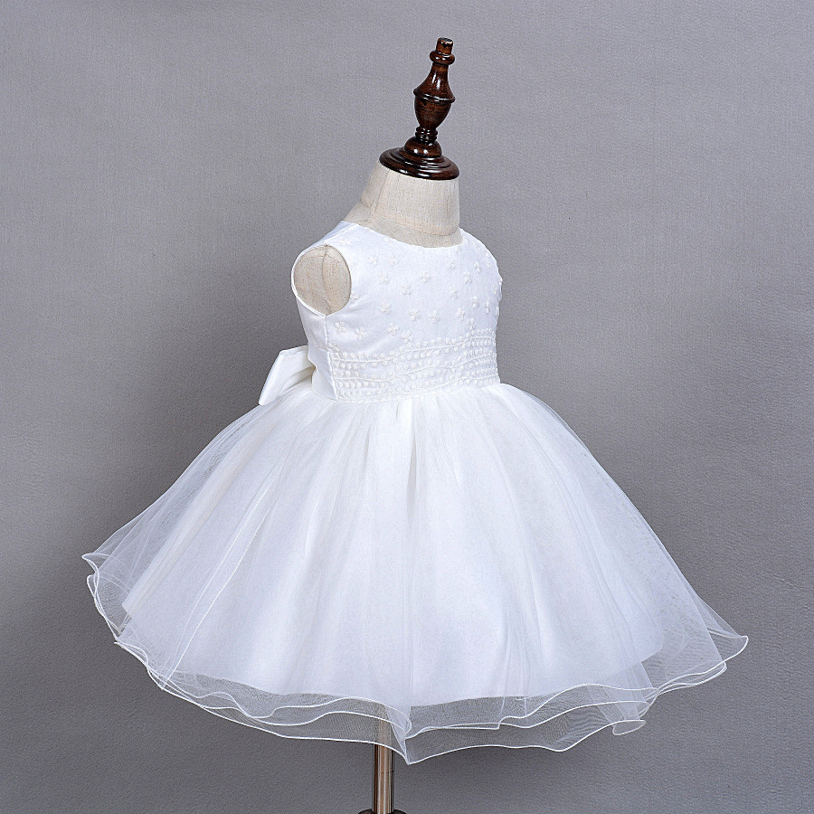 2016 Baby Girl Dress With Hat White 1 Year Old Birthday Party Formal  Vestido Infantil Baptism Clothes Christening Gown-in Dresses from Mother    Kids on ... e535a6d5d733