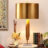 Новая классическая Светодиодный Настольные лампы для Спальня металла Мрамор прикроватной тумбочке лампа индивидуальность прикроватный с