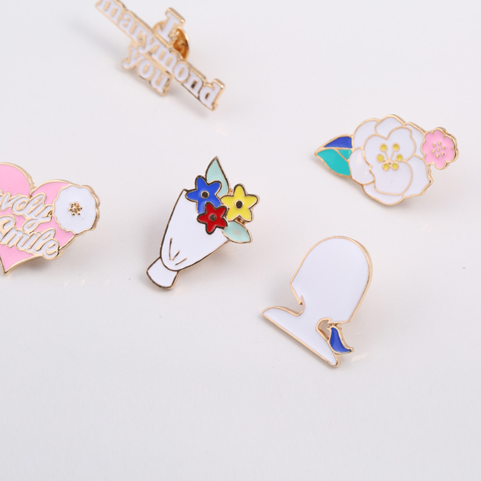 Free Shipping Flower Pink Hart Letter Girl Head Enamel Brooch Pin Jeans Clothes Badge Fashion Jewelry Wholesale For Women