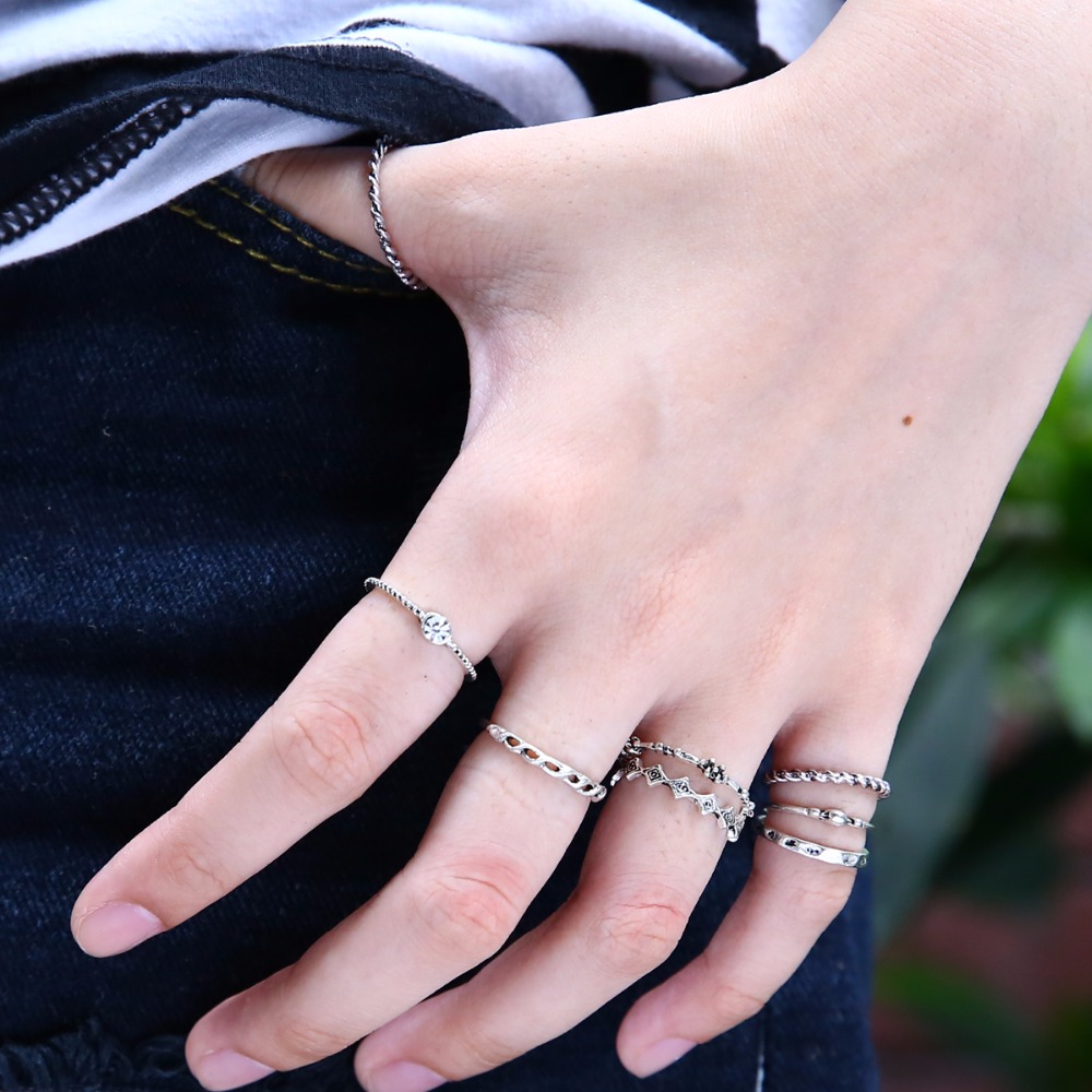 Bohemian 8 pcs/set Vintage Antique Silver Crystal Rings Lucky Stackable Midi Rings Set of Rings for Women Party Fashion Jewelry