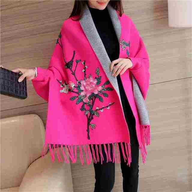 [Twotwinstyle] primavera de manga larga bordado borla suéter chal de manga murciélago capa de foso para las mujeres nueva clothing