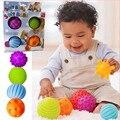 4 unids/set bebé bola toys souding colorido toque infantil mano pelota de juguete de bebé aprendizaje agarrar la bola suave embroma el regalo 7 cm
