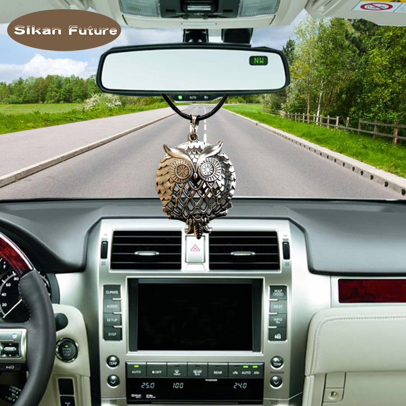 Sikan creative, hollowed out, open, spice or photo can be placed on car pendants, Valentines day and Christmas gifts, owl model