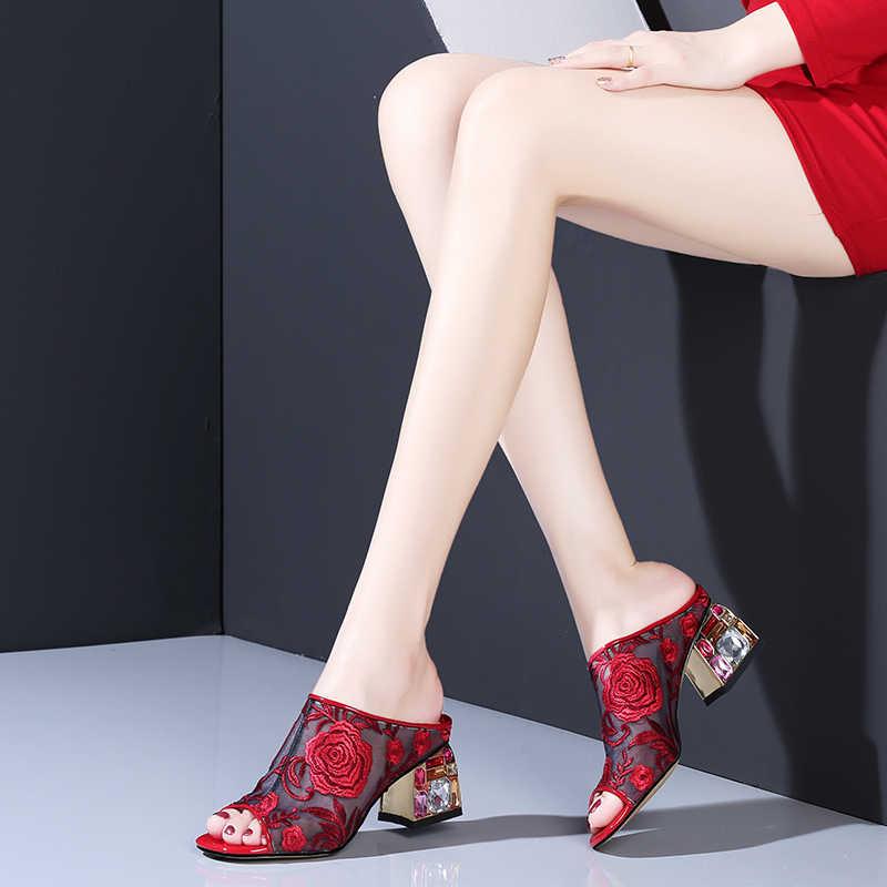 Wetkiss colorido de cristal saltos altos chinelos verão 2019 novas mulheres slides sapatos femininos mulas sapatos malha bordar sapatos senhoras