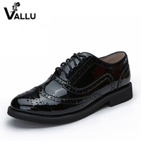 2015 British Style Vintage Shoes Women Flats Brogues Carved Round Toe Black Patent Genuine Leather Oxfords