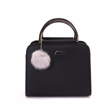 New Fashion Womens Luxury Handbag Designer Bag Woman Famous Brand Pompom Decoration Lady