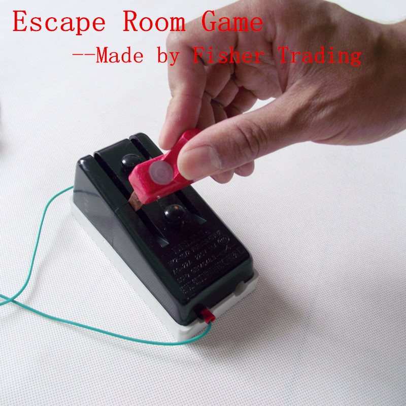 Escape room game-switch game
