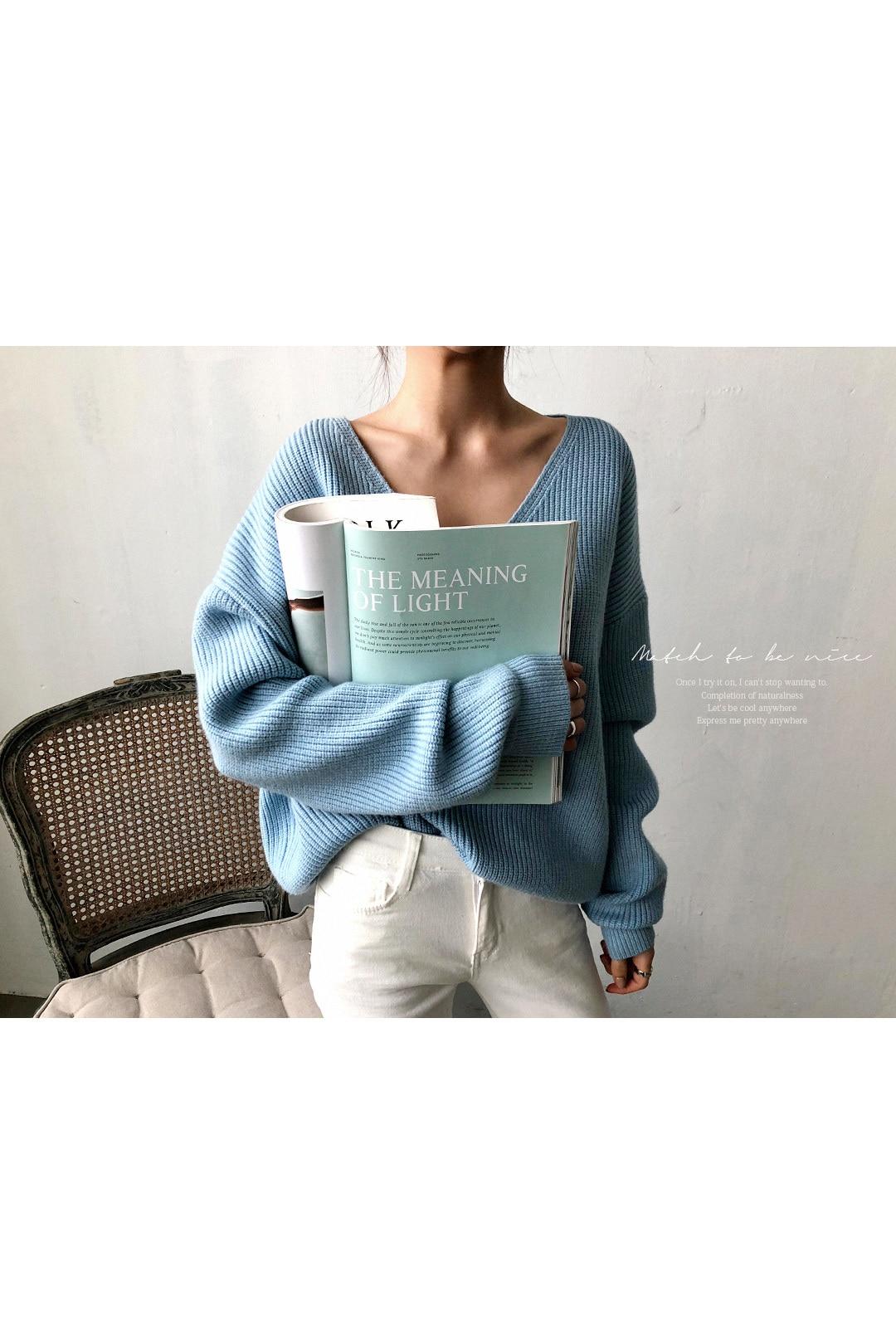 19 Winter Ovreiszed Sweater Women V Neck Black White Sweater Irregular Hen Knitted Tops 16